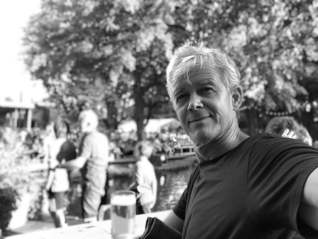 Karsten Noack in Biergarten Berlin