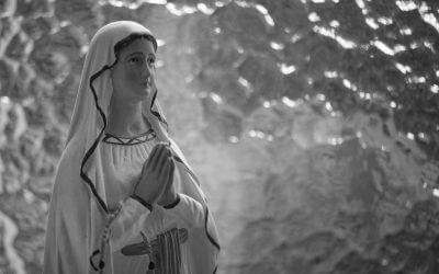 Wir sollen immer verzeihen, dem Reuigen um seinetwillen, dem Reuelosen um unseretwillen. –Marie Ebner von Eschenbach